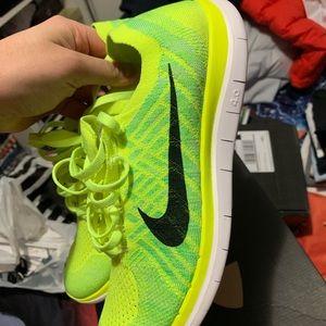 Nike Free Run 4.0 Flyknit
